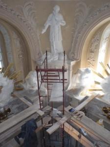 Stiukowe marmoryzacje w XIVw. kościele